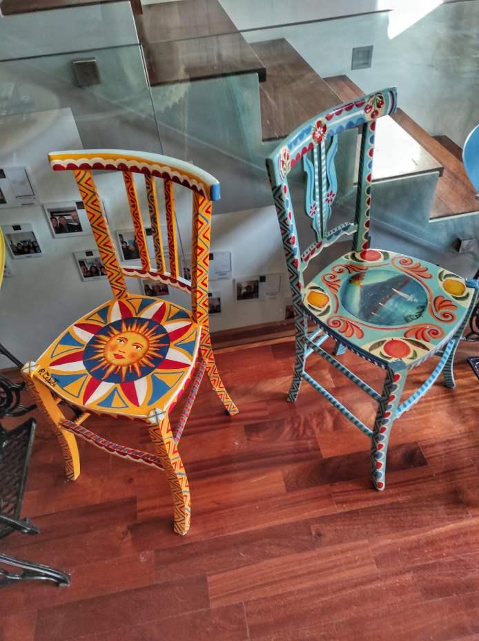 """""""artigianato siciliano sedie colorate"""""""
